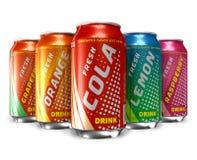 O jogo da soda de refrescamento bebe em umas latas do metal ilustração royalty free