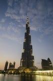 O khalifa do burj na noite Fotografia de Stock Royalty Free