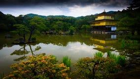 O Kinkakuji Pavillion foto de stock royalty free