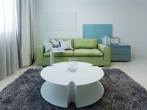 O kitsch denominou a sala de estar com paredes brancas Fotografia de Stock Royalty Free