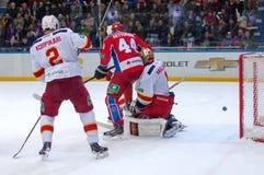 O Korpikari (2) contre E Artyukhin (44) Photographie stock libre de droits