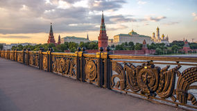 O Kremlin de Moscou no por do sol Imagens de Stock