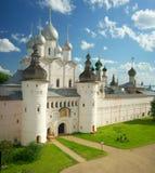 O Kremlin em Rostov o grande Anel de ouro de Rússia imagem de stock royalty free