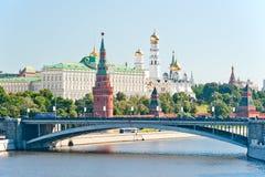 O Kremlin, Moscovo, ponte de pedra de Bolshoy Imagens de Stock