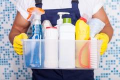 O líquido de limpeza novo alegre está apresentando seu equipamento Imagem de Stock Royalty Free