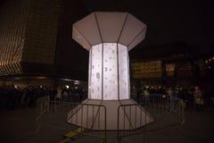 O laço claro de Smycka da instalação por Michal Pustejovsky indicou no festival 2016 da luz de sinal de Praga Imagens de Stock