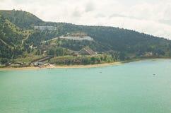 O lago alto-montanhoso Kezenoy-está em Chechnya Imagem de Stock Royalty Free