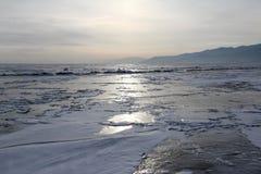 O Lago Baikal no inverno Imagens de Stock