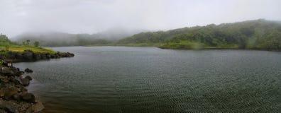 O lago de água doce Imagens de Stock