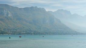 O lago de Annecy em França vídeos de arquivo