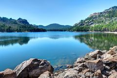 O lago de Ospedale perto do Porto-Vecchio - Córsega França imagem de stock royalty free