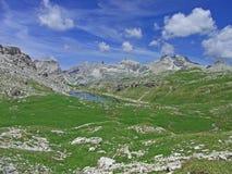 O lago do céu da montanha alta dolomiten Italia Imagem de Stock