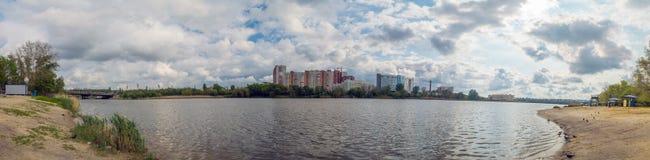 O lago e as nuvens Foto de Stock