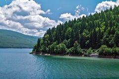O lago em Mavrovo Imagens de Stock Royalty Free