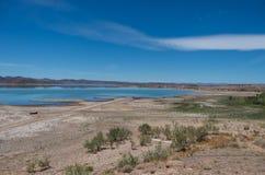 O lago formou pelo EL Mansour Eddahbi Barrage perto de Ouarzazat Imagens de Stock