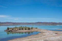 O lago formou pelo EL Mansour Eddahbi Barrage perto de Ouarzazat Imagem de Stock