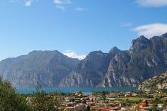 O lago Garda (Lago di Garda) em Itália Foto de Stock Royalty Free