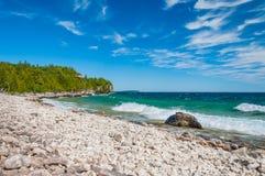 O Lago Huron em Bruce Peninsula National Park, Ontário, Canadá imagens de stock