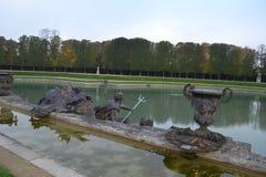O lago louvre foto de stock royalty free