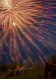 O lago Madison e a cidade de Madison, South Dakota comemoram 4o julho com fogos-de-artifício Foto de Stock