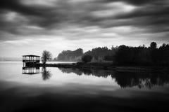 O lago misterioso fotos de stock
