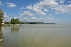 O lago raso Fotos de Stock
