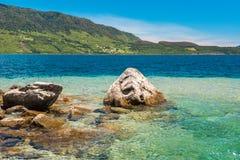 O lago Rinihue na província oriental de Valdivia, o Chile Imagens de Stock