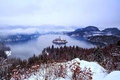 O lago sangrou no inverno, sangrado, Eslovênia, Europa Imagens de Stock