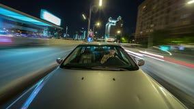 O lapso de tempo do POV disparou do carro de condução adulto masculino vídeos de arquivo