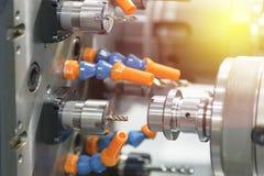 O lath do CNC ou de giro do CNC máquina imagem de stock