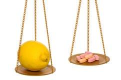 O limão é melhores então comprimidos Fotografia de Stock