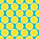 O limão corta o teste padrão sem emenda do fundo azul Fotos de Stock Royalty Free