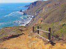 O litoral de Califórnia ao longo da fuga da Costa do Pacífico Fotografia de Stock Royalty Free