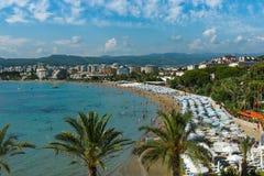 O litoral e relaxa na praia Imagem de Stock