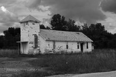 O local Cardin de Superfund da angra do alcatrão, Oklahoma abandonou a igreja Imagem de Stock