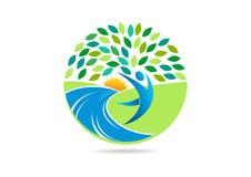 O logotipo saudável dos povos, o símbolo apto do corpo ativo e o ícone natural do vetor do centro do bem-estar projetam Fotos de Stock Royalty Free