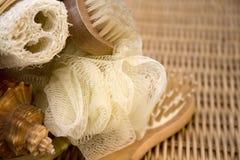 O Loofah, esfrega e escova Fotos de Stock Royalty Free