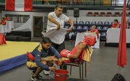 O lutador de Sanda respira esgotado Imagens de Stock