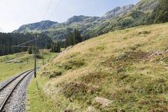 """O ¼ Mà do tschalp†do ¼ de Grà de """"rren a estrada de ferro da montanha Foto de Stock"""