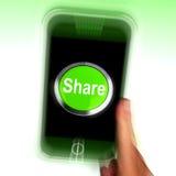 O móbil da parte significa em linha a partilha e a comunidade Fotos de Stock Royalty Free