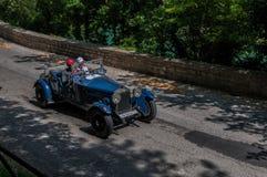 O M 665 S SUPERBA 1928 op een oude raceauto in verzameling Mille Miglia 2017 het beroemde Italiaanse historische ras 1927-1957 op Royalty-vrije Stock Fotografie
