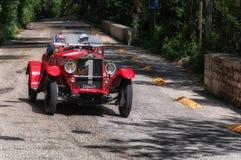 O M 665 SPORT SUPERBA 2000 CM3 1927 op een oude raceauto in verzameling Mille Miglia 2017 Royalty-vrije Stock Afbeeldingen