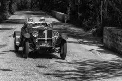 O M 665 SPORT SUPERBA 2000 CM3 1927 op een oude raceauto in verzameling Mille Miglia 2017 Stock Foto