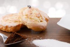 O maçapão delicioso endurece com açúcar e café Fotos de Stock