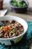 o macarronete com mistura de sopa do sangue do porco com carne de porco e vegetal Foto de Stock Royalty Free