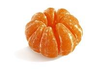O mandarino é dividido em segmentos Imagens de Stock Royalty Free