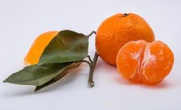 O mandarino no fundo branco Imagens de Stock