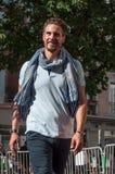 O manequim que anda com desgaste do esporte veste-se no desfile de moda em Mulhouse Fotografia de Stock Royalty Free