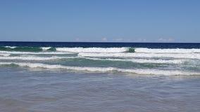 O mar azul profundo fotografia de stock