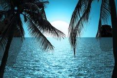 O mar e o sol bonitos da silhueta das paisagens Foto de Stock
